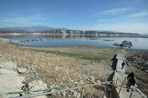 Cachuma lake at 39 percent capacity (Jan.9, 2014)