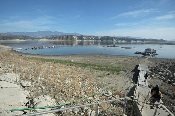 Cachuma lake at 39 percent capacity (Jan.9, 2014)