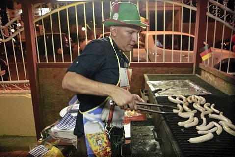 <em>Cesar's Grill</em>