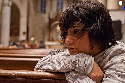 <b>16 AND PREGNANT:</b>  <i>Gimme Shleter</i> stars Vanessa Hudgens as a teenage mother-to-be trying to escape the inner-city home of her abusive mother.