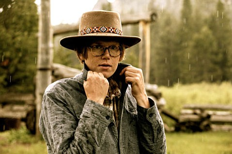<b>FRESH STARTS:</b> For his latest album, Brett Dennen returned home to the mountains of Northern California to find his muse. The result is the sprawling, stripped-down, and ironically titled <i>Smoke and Mirrors</i>.