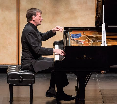 British pianist Stephen Hough demonstrated signature clarity in a poetic program of short works, presented by CAMA.