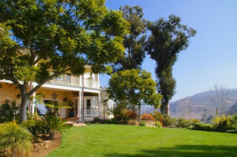 A 1928 ranch house with a view of Rincon.