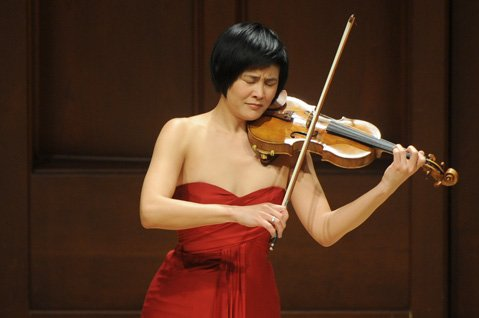 Jennifer Koh at Hahn Hall