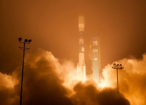 A Delta II rocket launches with the Orbiting Carbon Observatory-2 satellite from Vandenberg Air Force Base