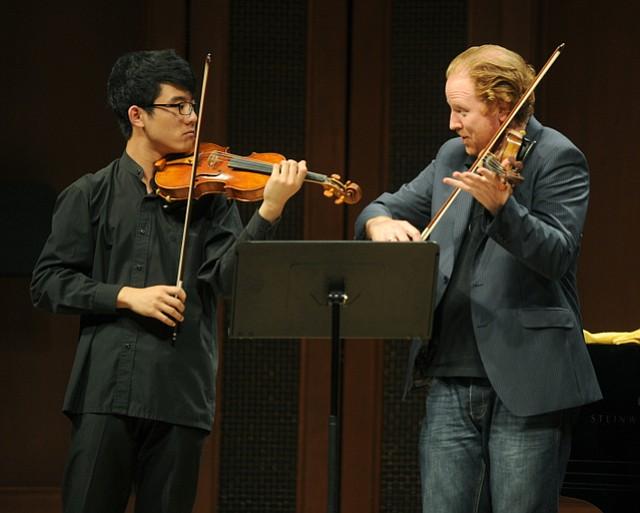 Daniel Hope (right) teaches a violin Masterclass at Hahn Hall (July 4, 2014)