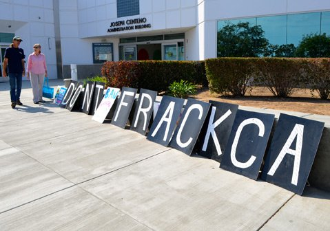 <b>NEVER QUIET:</b>  Environmentalists voiced concerns about California's proposed fracking regulations to state officials on Tuesday.