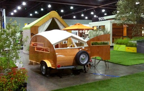 <b>SAY HELLO TO HÜTTE HUT:</b>  Santa Barbara's Sprouting Sprocket Studio is behind the little trailer that made a big splash at this year's Dwell on Design in Los Angeles.