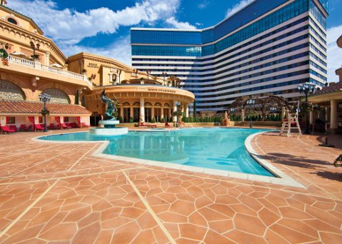 Peppermill Resort & Casino's Tuscany-inspired pool area