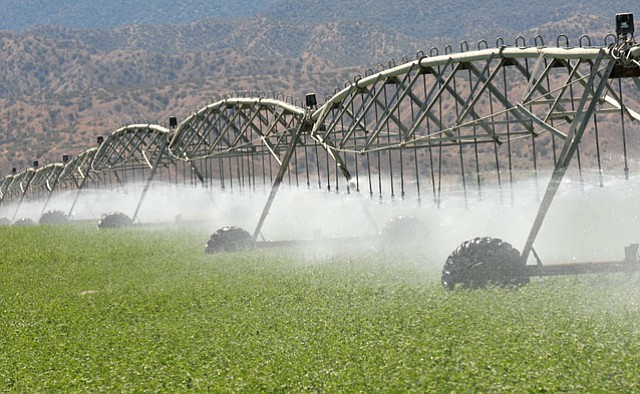 <b>DESERT FARMS:</b>  As California considers regulating groundwater, the over-tapped Cuyama Valley stands as a symbol of what could come.