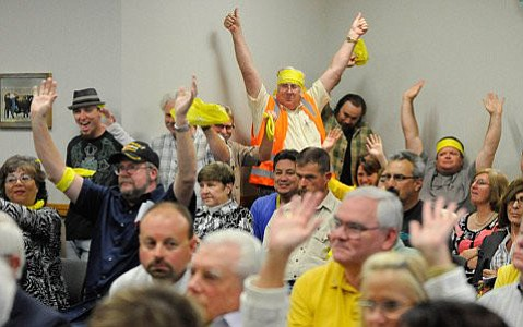 Supporters turned out for Santa Maria Energy at a November hearing.