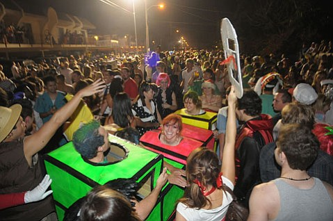 <b>COPS COMING:</b>   Hundreds of law enforcement officers will descend on Isla Vista on Halloween weekend.