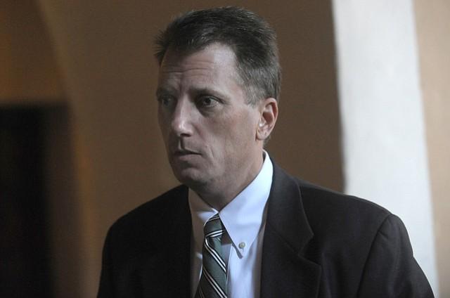 Attorney Robert Bergsten at the Santa Barbara County Courthouse (Jan. 23, 2015).