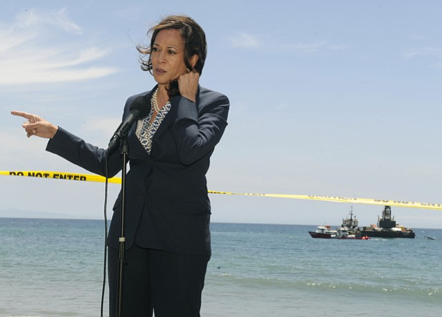 California Attorney General Kamala Harris toured Refugio State Beach following the May 19 Plains All American Pipeline oil spill (June 4, 2015).