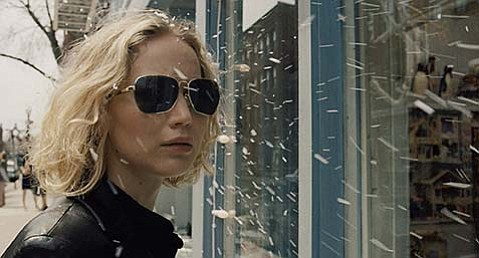 <b>MOP MOGUL:</b>  Jennifer Lawrence stars as Miracle Mop inventor Joy Mangano in writer/director David O. Russell's latest film.