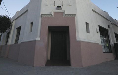 Casa De La Raza