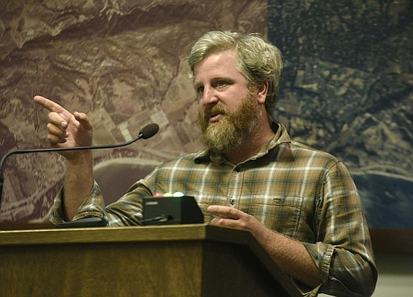 Dave Potter with Municipal Winemakers speaks at the Santa Barbara Planning Commission hearing on the new county wine ordinance.  (Sept. 19, 2016)