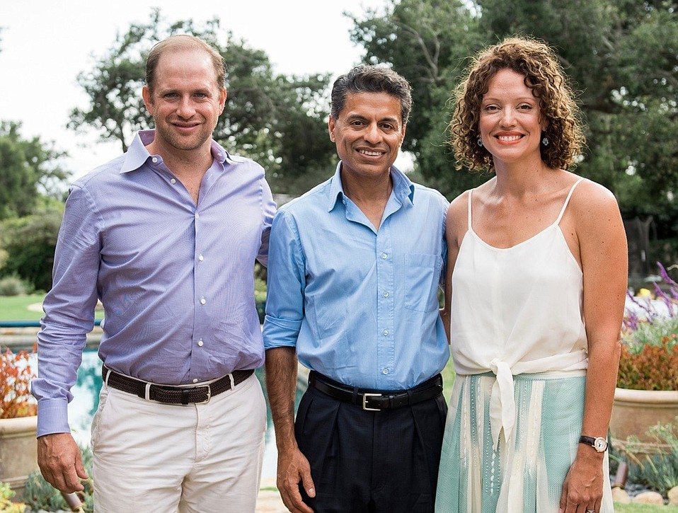Fareed Zakaria (center) with event sponsors and venue hosts Tim and Monica Babich.