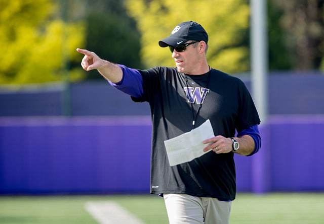 <b>DAWGS' DEFENSIVE DUDE:</b>  Santa Barbara native Pete Kwiatkowski is coach of the Washington Huskies' defense that will face mighty Alabama in the Peach Bowl.
