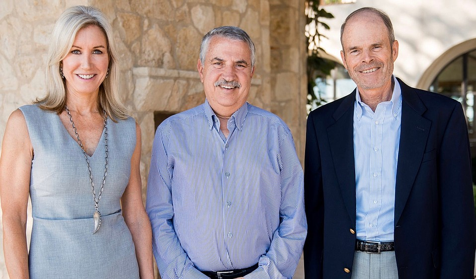 Thomas Friedman (center) with Event Sponsors Susan and Craig McCaw.