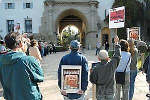 Anti-News-Press demonstration at the Santa Barbara Courthouse