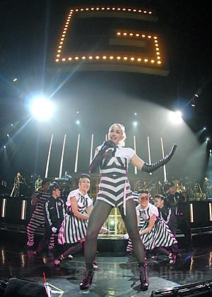 Gwen Stefani hit the Santa Barbara Bowl on Saturday, announcing the end of her solo career and her upcoming return to No Doubt.
