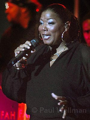 Rapper, actress, and Grammy Award-winner Queen Latifah brought her jazz stylings to the Arlington stage on Thursday night.