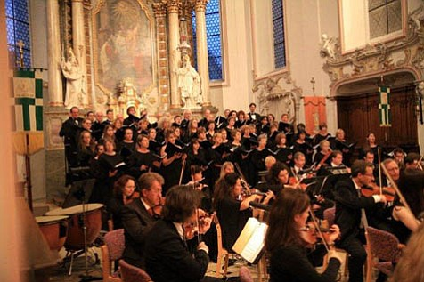 The Santa Barbara Choral Society performed the finale concert of a 2007 European tour at the Ehingen Musiksommer Festival in Bavaria.