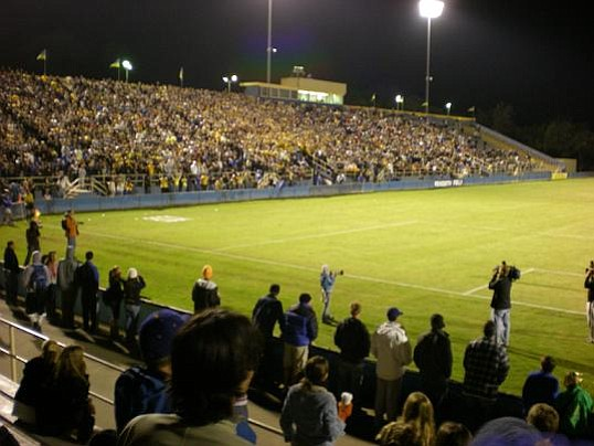 Nearly 10,000 fans came to Harder Stadium on Wednesday night to watch the Gauchos beat the U of Washington's Huskies in the NCAA soccer playoffs.