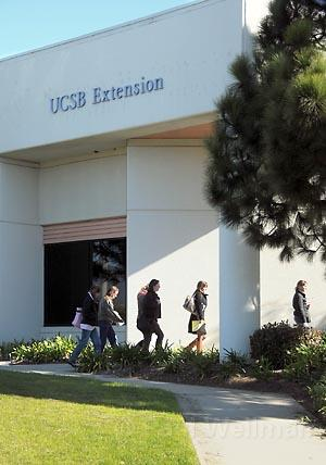 Students file into Goleta's soon-to-be-closed classrooms.