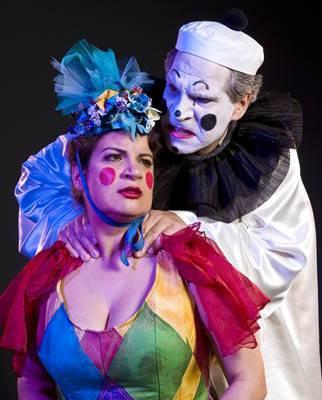 Allan Glassman as Canio and Barbara Divis as Nedda in Opera Santa Barbara's <em>Pagliacci</em>.