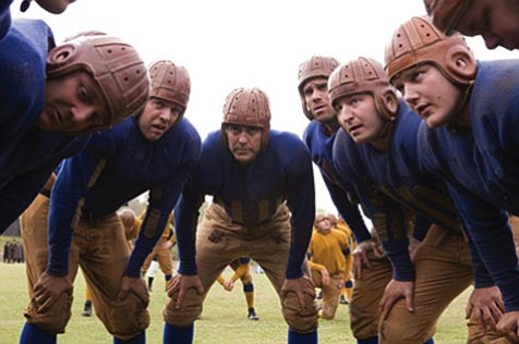 George Clooney has potential as a period actor with plenty of appeal, but Leatherheads's ambiguous characters just can't score enough points to win the audience over.