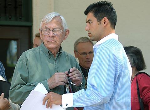 Bill Mahan (left), leader of the Save El Pueblo Viejo petition drive, was the spokesperson for a short-lived compromise orchestrated by Councilmember Das Williams (right).