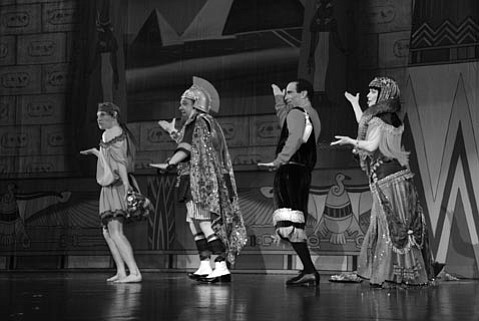 """(From left) Adam Wylie as Slabio, Joey D'Auria as Marcus Aurelius, Joshua Finkel as Juilusi Scissors, and Dale Kristien as Cleo in the Cohan, Weber, Fields, and Russell number """"Cleo,  the Queen of the Nile."""""""
