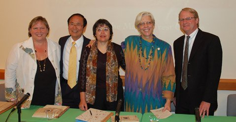 Sarah Fenstermaker (ISBER), Chancellor Henry Yang (UCSB) and Vilma Fialko (Representative for the Guatemala Ministry of Culture), Anabel Ford and Randall Fox (Secretary, Exploring Solutions Past) at completion of signing.