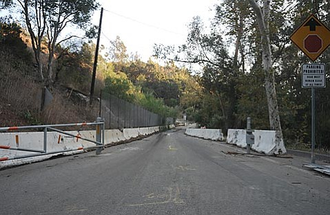 The gate on Sycamore Canyon Road opens during the fire emergency.