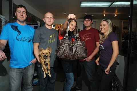 from left:  Jason Feist, Benny Bermudez (holding faco), Leanna Bertolazzo (with recovered purse), Tarik Khashoggi, and purse owner Randi Berman.