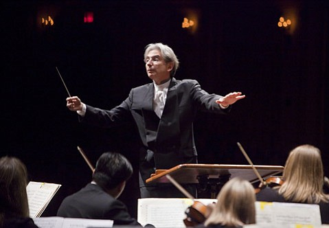 """Michael Tilson Thomas led the San Francisco Symphony in a concert at the Granada that included one of his own compositions, the fanfare """"Street Song."""""""