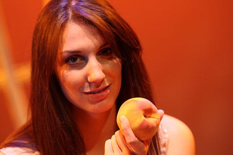 Anna Lieberman will play Aideth, the protagonist of Diana Small's original bilingual play, <em>Mueveme, Muevete</em>.