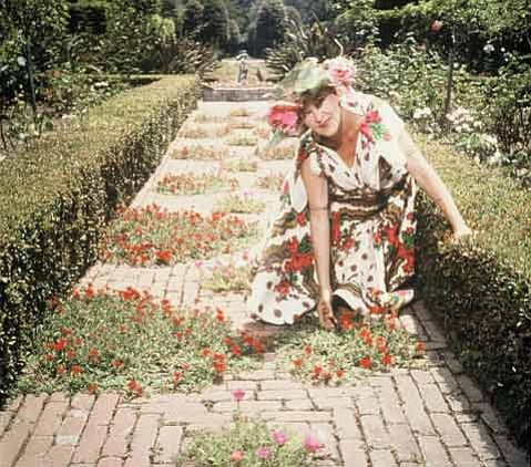 Ganna Walska loved to participate in the life of her gardens.