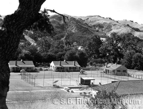 The Alisal Guest Ranch began in 1946 under the ownership of Pete Jackson, with accommodations for 30 people. Today, the ranch offers facilities for some 200 guests as well as an array of activities.