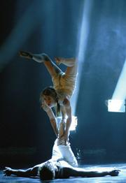 After wowing Santa Barbara audiences with Rain, Cirque loize returns to town with <em>Nebbia</em>.