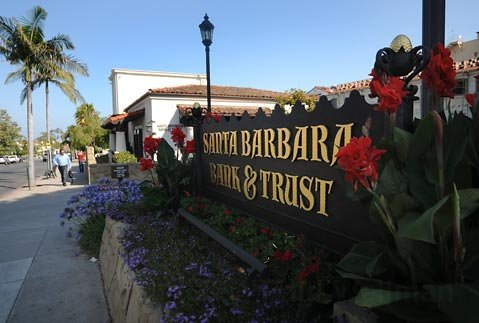 Santa Barbara Bank & Trust branch at Carrillo and Anacapa Streets
