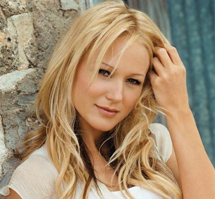 Country songstress Jewel will bring her new collection of tunes to Santa Ynez's Chumash Casino this Thursday night.
