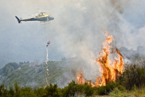 Helicopter in La Brea fire