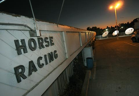 <strong>PHOTO FINISH:</strong>  After years of losing money, Earl Warren Showgrounds decided to shut down its satellite wagering facility, effective September 28. Showgrounds CEO Scott Grieve blamed competition from the Internet, Santa Maria and Ventura betting houses, and the Chumash Casino.