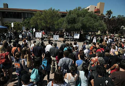 Approximately 400 people gathered at UCSB's Arbor lunch court area for the UC Budget Crisis Education Rally Thursday Sept. 24, 2009