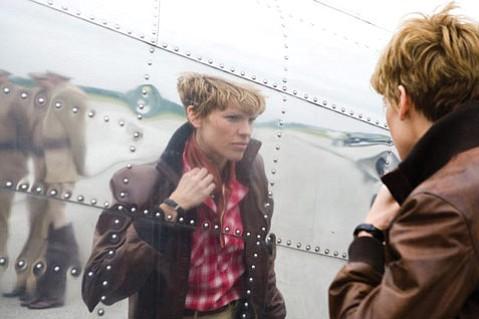 <em>Amelia</em> falls flat, but not because of Hilary Swank's genuine portrayal of the aviator.