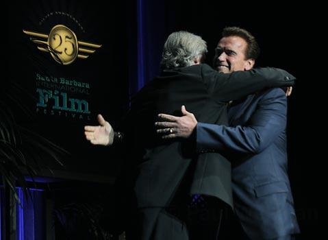 J. Cameron et A. Schwarzenegger contre les compagnies pétrolières