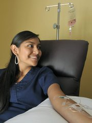 Coyolicatzi Cortes gets a Glutathione wB12 infusion.